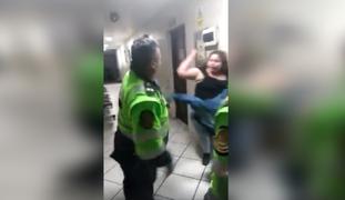 PNP separa del cargo a efectivo que se agredió mutuamente con mujer intervenida