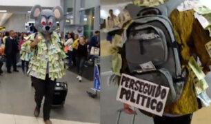 Hombre llega al aeropuerto disfrazado de rata e intenta salir del país