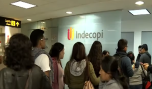 Indecopi asiste a viajeros varados por cancelación de vuelos de Peruvian Airlines