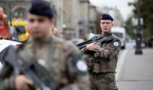 Francia: hombre que acuchilló a policías tenía contacto con islamistas