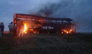 Huaraz: bus se incendia cuando llevaba a escolares de viaje de promoción