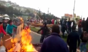 El drama de escolares peruanos tras quedar varados en un Ecuador lleno de protestas