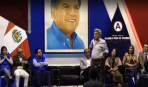 Acuña arremetió contra excongresistas de su partido que votaron contra disolución del Parlamento