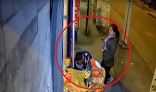 Comas: tres delincuentes roban batería de juego mecánico