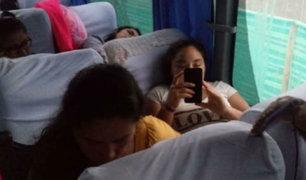 Escolares peruanos buscan escapar de la violencia en Ecuador