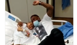 """Farfán cumple sueño de niño con leucemia: """"mi gran amigo, voy a visitarte siempre"""""""