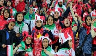 Irán permite el acceso de mujeres a estadio de fútbol después 40 años