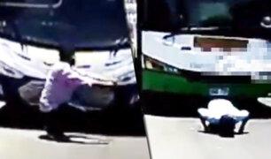 Piura: policía de tránsito castiga a chofer infractor y a su cobrador
