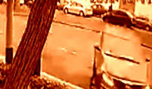 Accidente en Av. Javier Prado: ¿Qué pudo distraer a conductora de la camioneta?