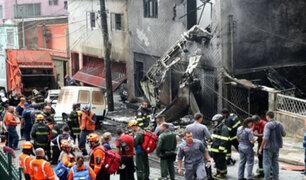 Brasil: avioneta se estrella en plena calle y deja tres fallecidos