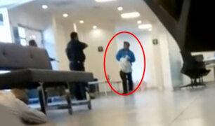VIDEO: abaten sujeto que entró con machete y pistola a un banco