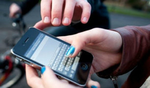 Barranco: sujeto roba celular a pasajero de taxi aprovechando el tráfico