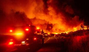 California: incendio forestal avanza con fuerza y miles deben ser evacuados
