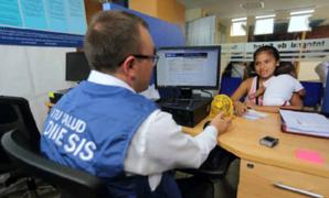 Personas con seguro de salud privado podrán afiliar al SIS a menores a su cargo