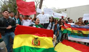 San Isidro: bolivianos protestaron frente a su embajada contra reelección de Morales