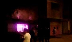 Comas: vivienda quedó reducida a cenizas tras incendio por artefacto pirotécnico