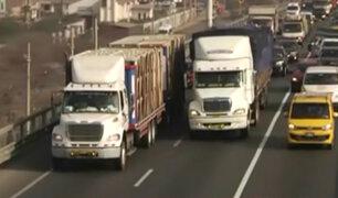 'Pico y placa': camiones no transitan por carril exclusivo de la Panamericana Sur