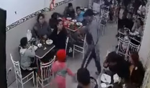 VES: criminales asaltan restaurante lleno de comensales en menos de un minuto