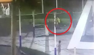 Iquitos: ladrón cae de poste al intentar robar foco