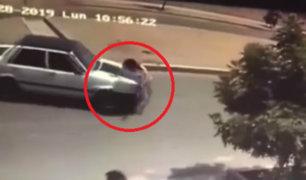 Trujillo: mujer fue embestida por auto cuando intentaba cruzar una vía