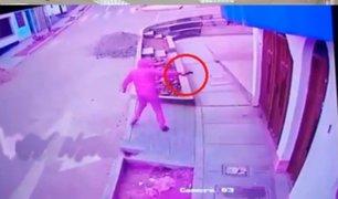 Trujillo: cámaras de vigilancia captan violento asalto y un caso de extorsión