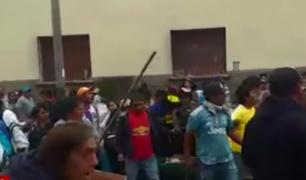 Chiclayo: municipales y comerciantes informales se enfrentan en operativo