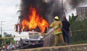 México: dos trabajadores y un bombero mueren en incendio de camión recolector de basura