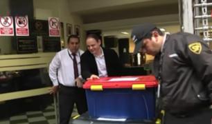 Mark Vito entregó documentos en contenedores a la Fiscalía de Lavado de Activos