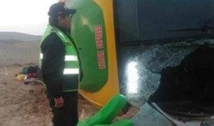 Arequipa: dos muertos y al menos 30 heridos tras volcadura de bus interprovincial