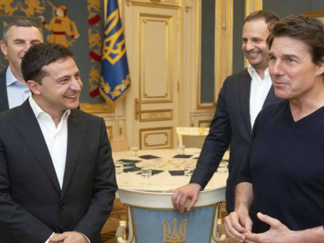 """Presidente de Ucrania a Tom Cruise: """"Eres guapo"""""""