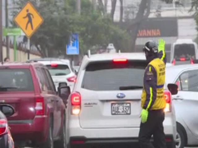Miraflores: vecinos saludan ordenanza de estacionamiento público rotativo