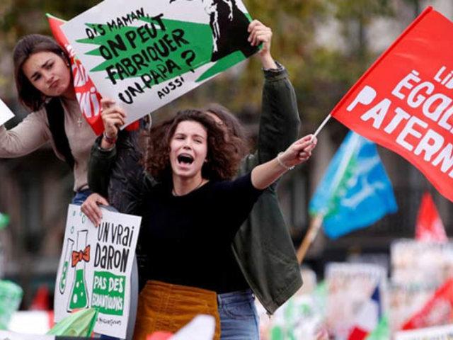 Francia: marchan contra reproducción asistida a lesbianas y solteras
