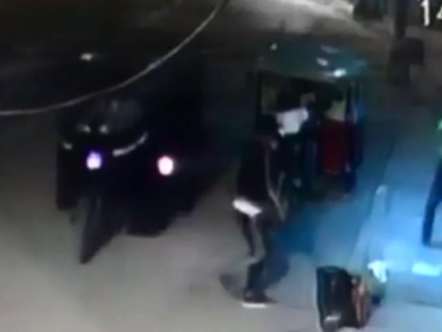 Tumbes: delincuentes asaltan a pareja afuera de su casa
