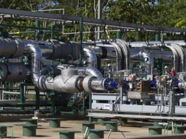 Ecuador suspende transporte de petróleo y reporta pérdidas