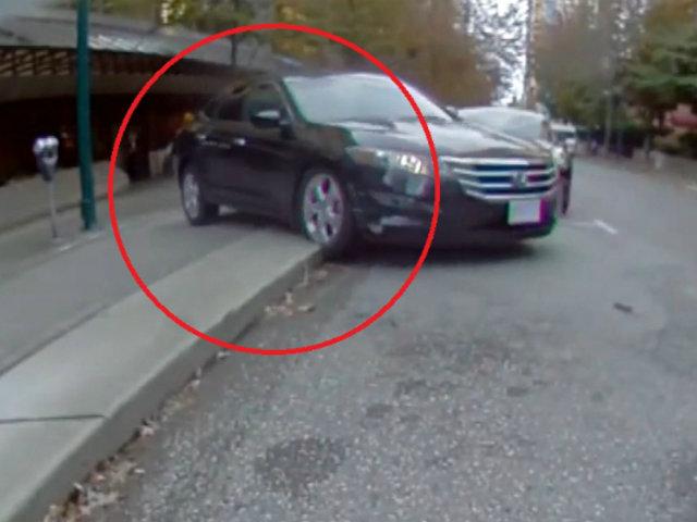 Canadá: auto se sube a vereda y embiste a varios transeúntes