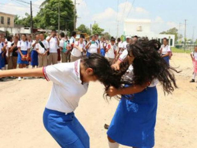 Callao: escolares protagonizan acalorada pelea en Av. Guardia Chalaca