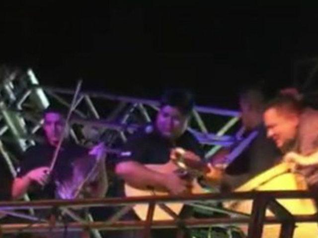 Argentina:  dos artistas heridos dejó caída de luminarias en pleno escenario