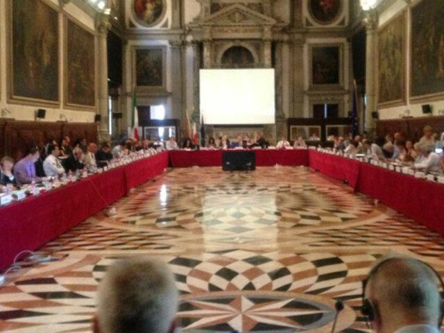 Comisión de Venecia evalúa pronunciamiento sobre proyecto de adelanto de elecciones