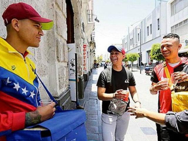 Inmigración venezolana: trabajan 20 horas más de lo que hace un peruano pero ganan menos