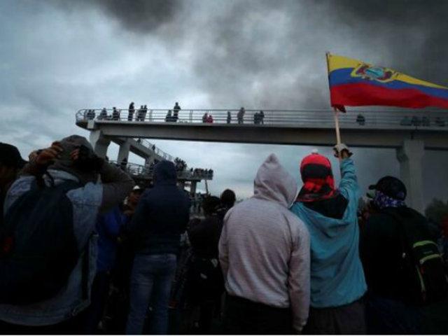 Cinco muertos dejan violentas protestas en Ecuador