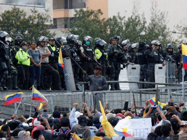 Ecuador: Línea aérea cancela vuelos desde y hacia Quito por crisis social