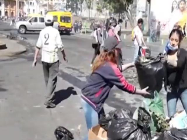Ecuador: más de 2 mil personas limpiaron la ciudad tras cese de protestas