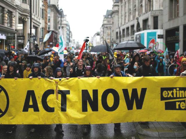 Científicos defienden protestas para forzar la acción a gobiernos por el cambio climático