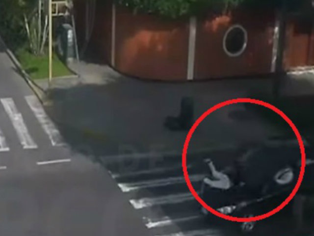 Surco: mujer impactada por auto tras cruzar imprudentemente pista se recupera favorablemente