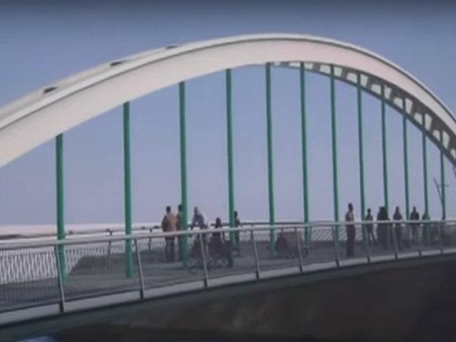 Alcalde Muñoz supervisa obras de nuevo puente en malecón Checa