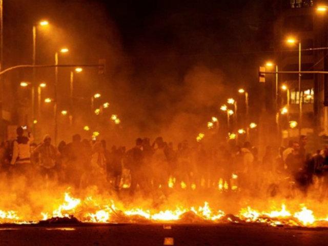 España: segunda jornada de violentas protestas dejó 74 heridos