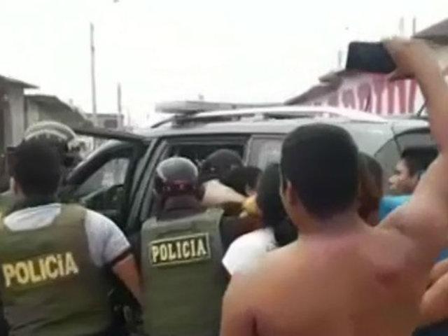 Tumbes: turba agredió a policías para evitar detención de sospechoso