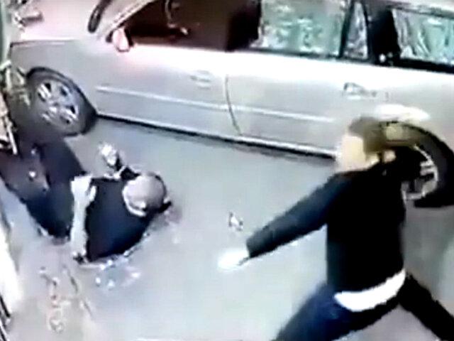 Ucrania:  auto embiste a hombre que esperaba a amigo
