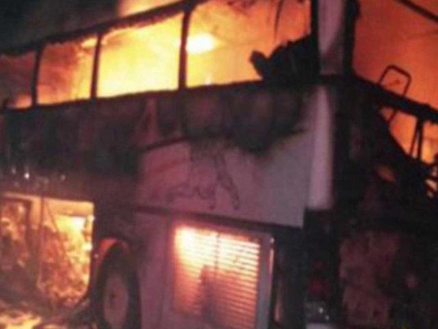 Arabia Saudita: choque entre bus y excavadora deja 35 muertos