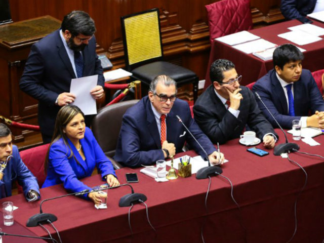 Comisión Permanente sesiona nuevamente tras disolución del Congreso